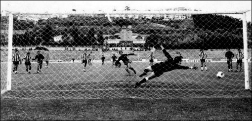 penalti marcado pelo joão carlos
